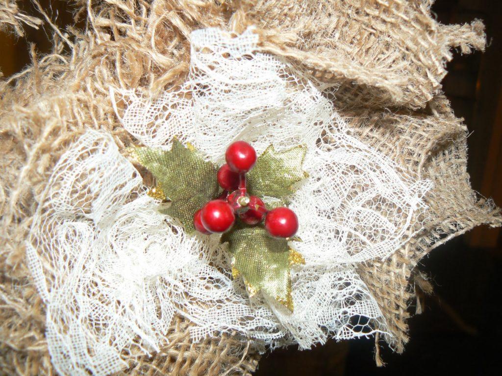 Χριστουγεννιάτικο στεφάνι από τσουβάλι