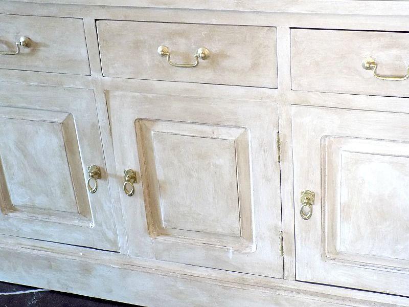 Μεταμόρφωση μπουφέ με chalk paint, χρυσά πόμολα