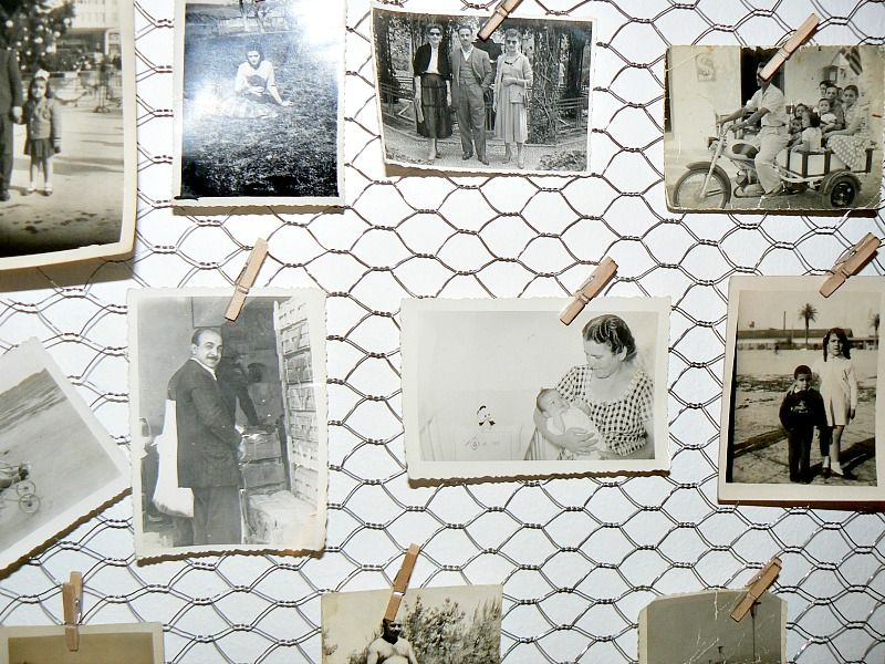 How to make a frame to display your old photos