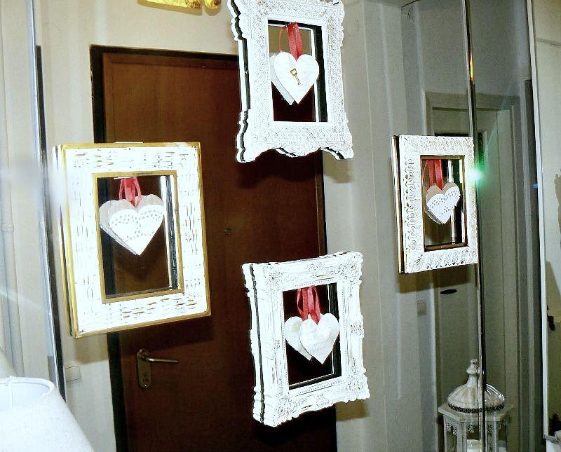 Διακόσμηση πάνω σε καθρέφτη για τον Άγιο Βαλεντίνο