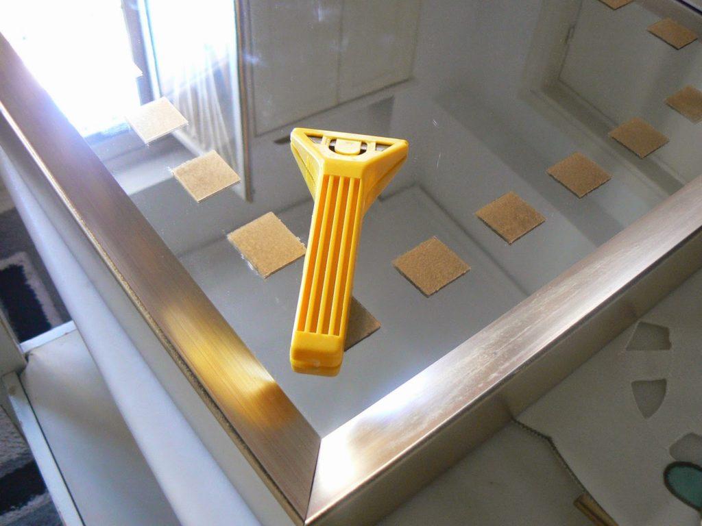 Διακοσμητικός δίσκος καθρέφτης, bronze diakosmitika sxedia pano se kathrefti