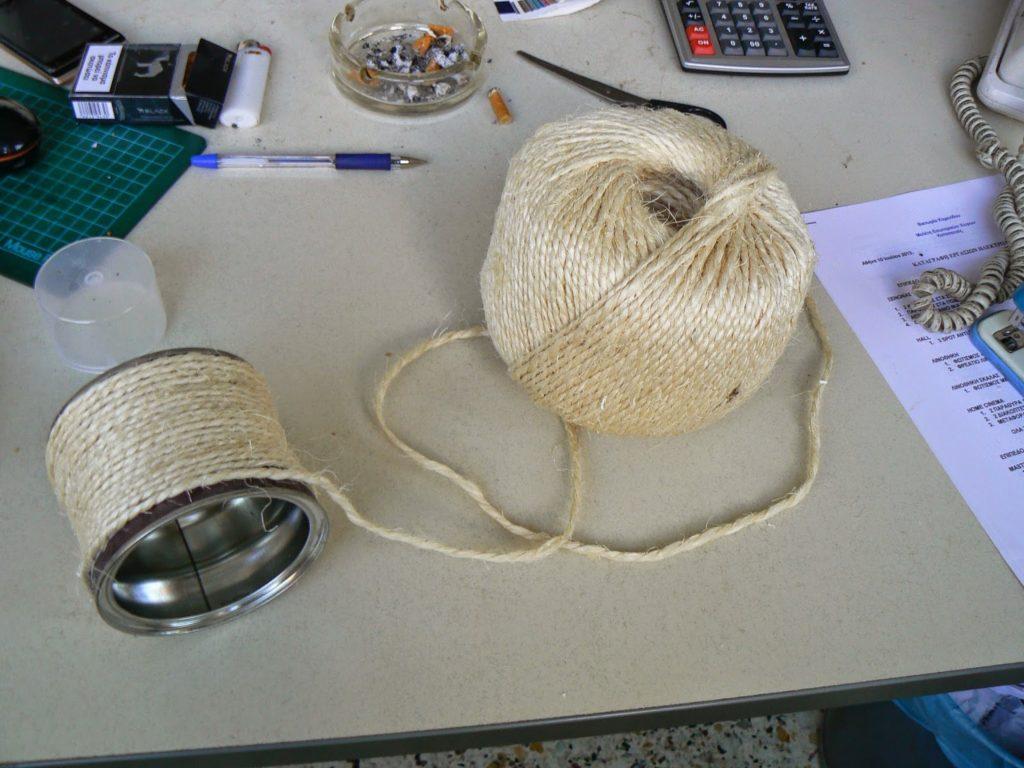 Βαζάκια ντυμένα με σχοινί, πως να το φτιάξεις