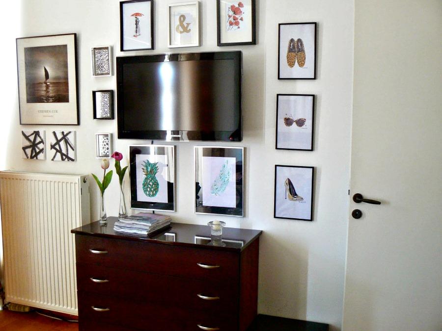Πως να κρύψεις μία τηλεόραση με μία gallery wall