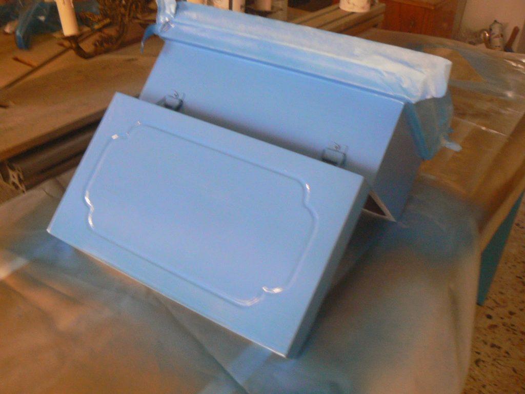 Blue spray painted box