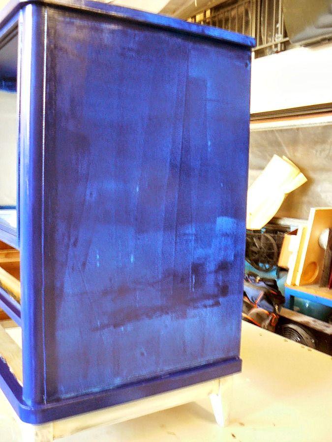 Μπλε ντουλάπι για την κρεβατοκάμαρα