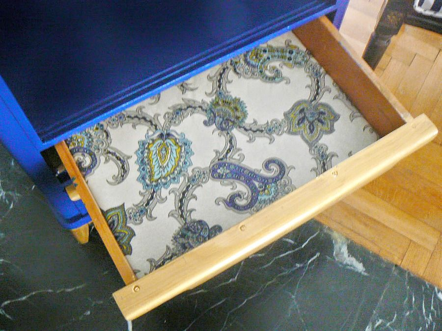 Blue dresser makeover, the drawers