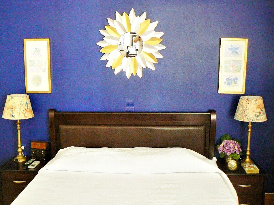 Ανακαίνιση κρεβατοκάμαρας, Μπλε τοίχος στην κρεβατοκάμαρα