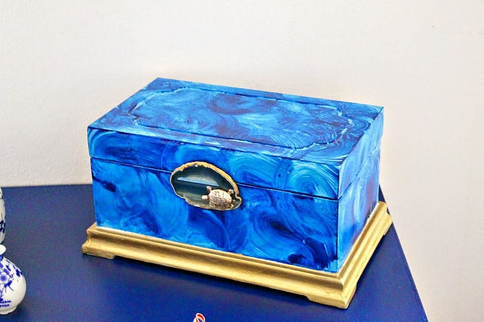 Blue jewelry box