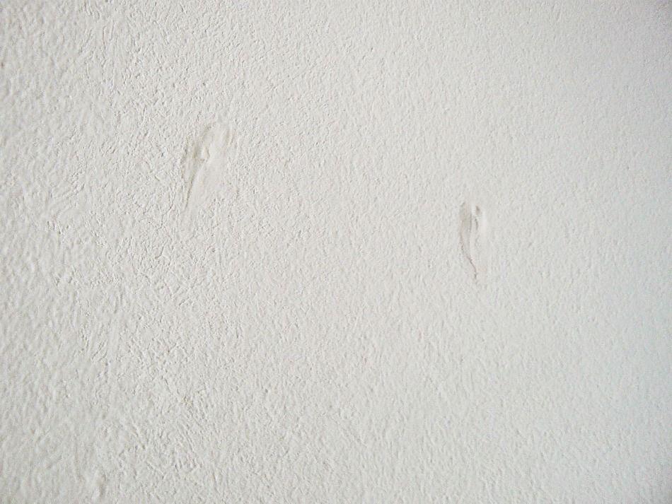 Ανακαίνιση κρεβατοκάμαρας, προετοιμασία τοίχου για βάψιμο