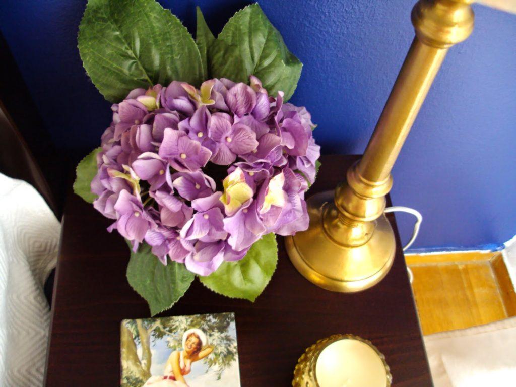 Εύκολα diy, ανθοσύνθεση με faux λουλούδια