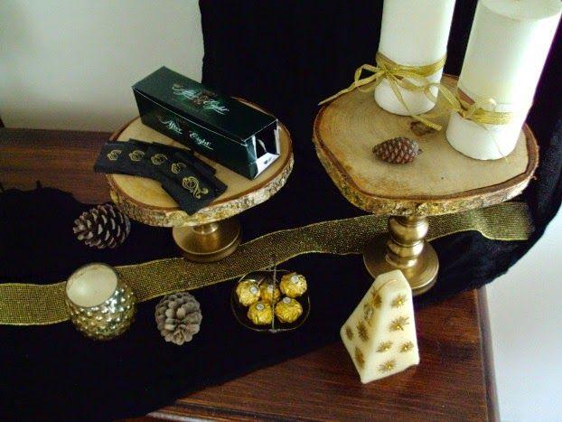 Cake stand από φέτες ξύλου,  γλυκά, κεριά