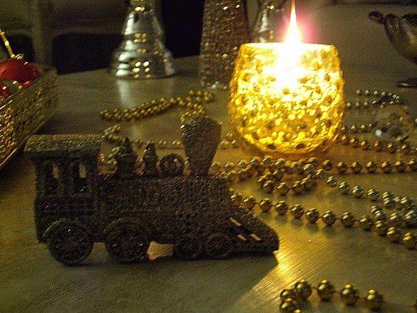 Christmas night, coffee table decor