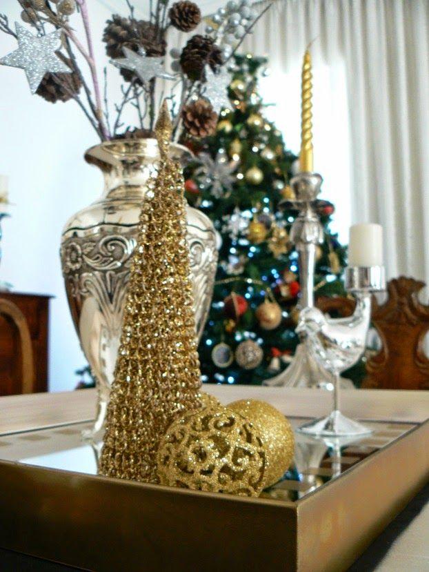 Χριστούγεννα με λάμψη στην τραπεζαρία, χρυσό δεντράκι με γκλίτερ