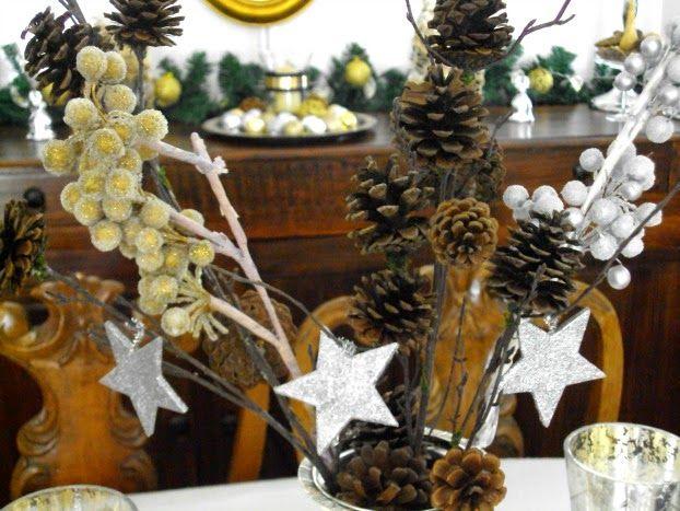 Χριστούγεννα με λάμψη, βάζο με κλαδιά και κουκουνάρια