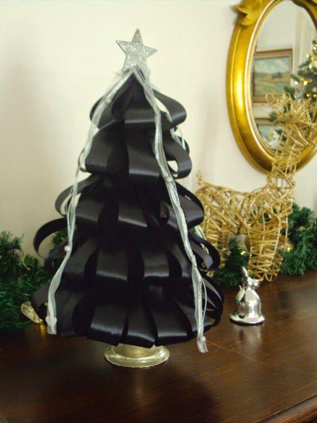 Χριστούγεννα με λάμψη, δεντράκι από σατέν κορδέλα