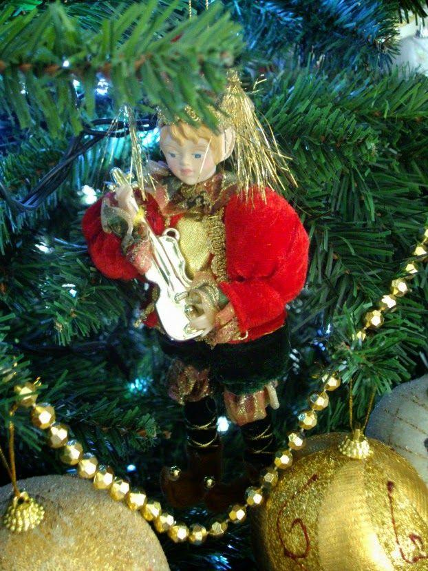 Το χριστουγεννιάτικο μας δέντρο, μικρός βιολιστής