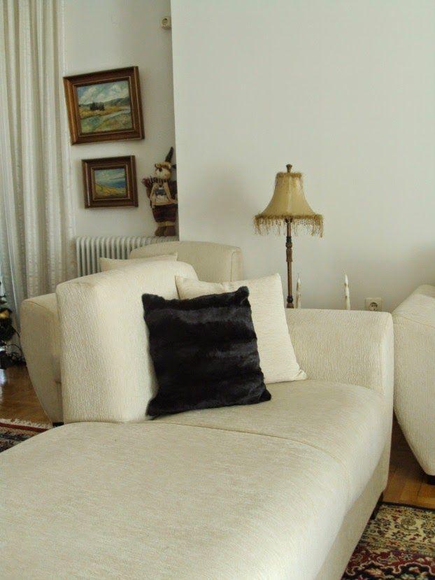 Μαύρο γούνινο μαξιλάρι