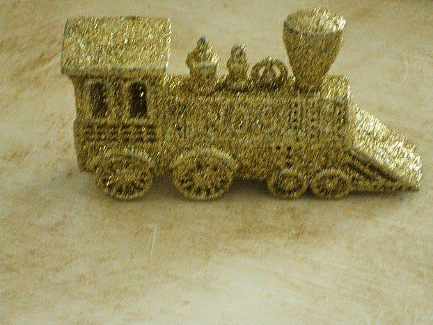 Gold glitter train