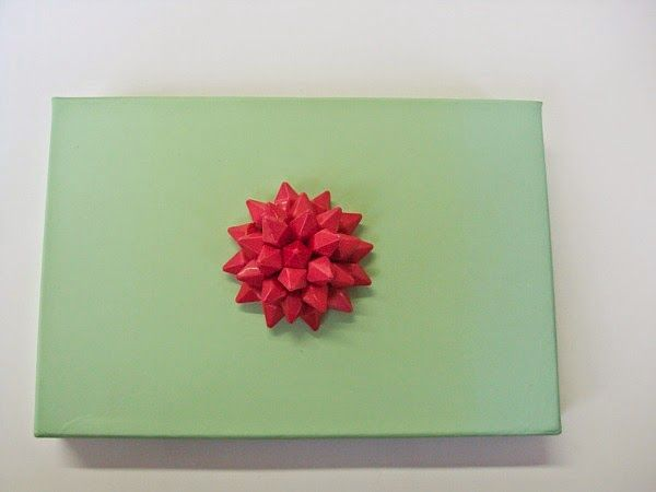 Mint storage box with flower
