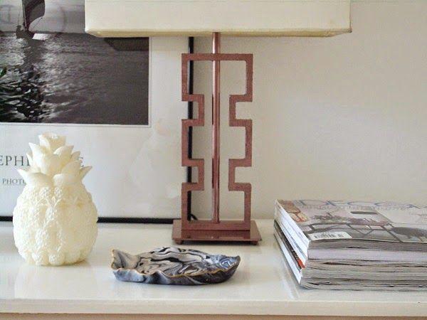 Μια λάμπα diy για το γραφείο, desk lamp diy, pineapple candle, magazines