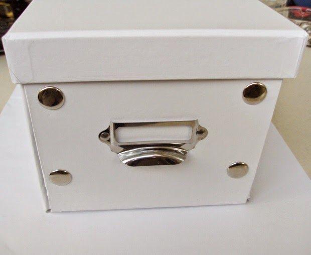 Μικρό κουτί αποθήκευσης λευκό