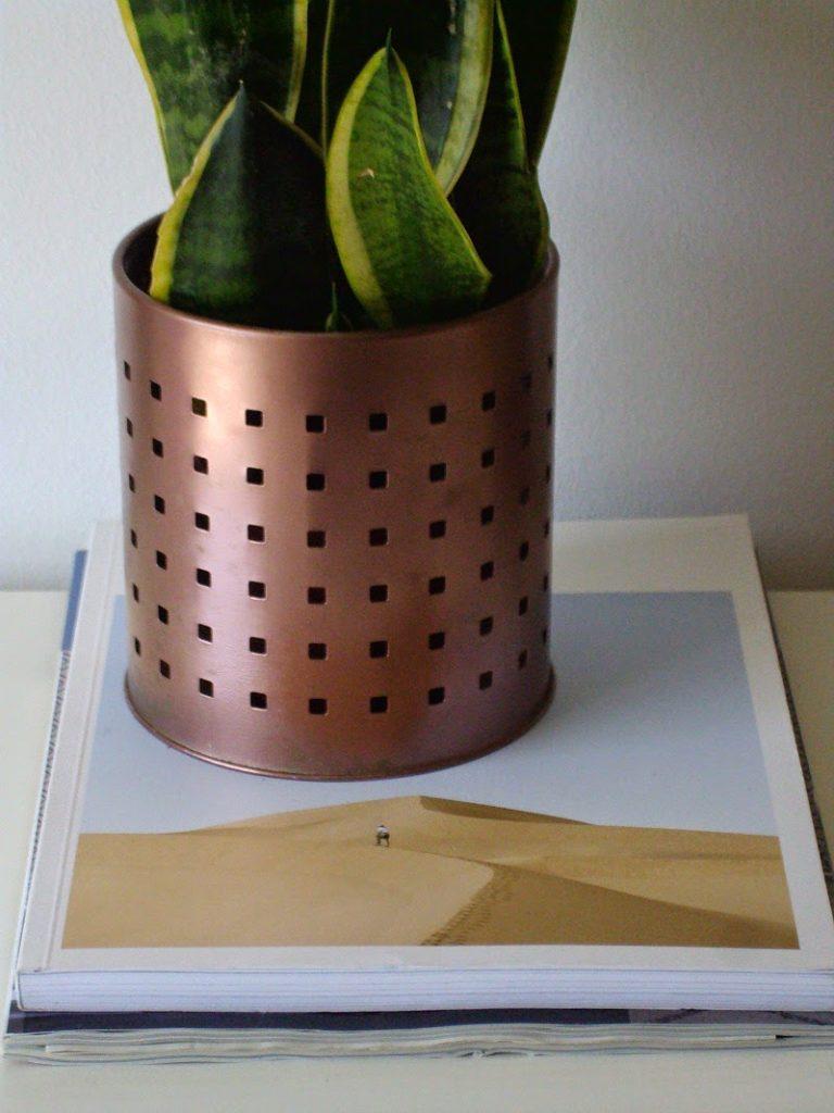 Καθημερινά αντικείμενα αλλάζουν χρήση, από θήκη για κουτάλες έγινε κασπό