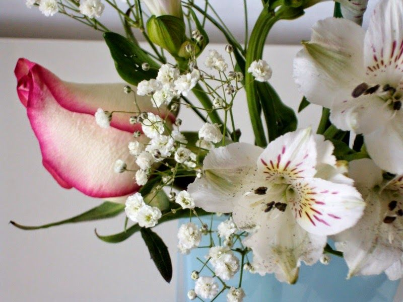 Flowers mint acrylic flower vase