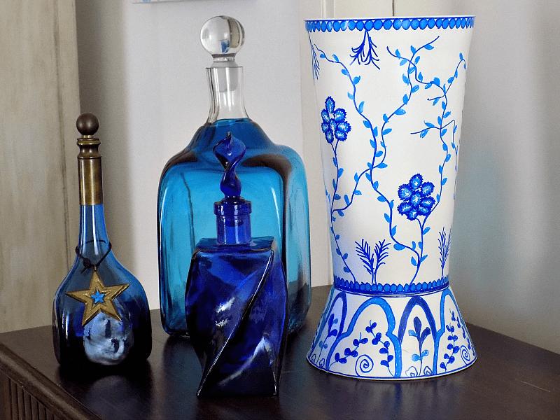 Blue white chinoiserie vase diy, blue bottles