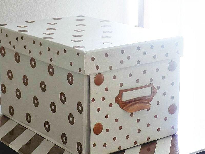 Μοναδικά κουτιά αποθήκευσης, χάλκινες βούλες σε κουτί