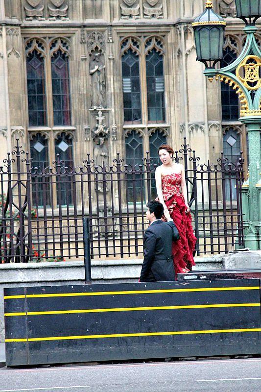 Βόλτα στην πόλη του Λονδίνου, westminister bridge London, wedding photo shooting