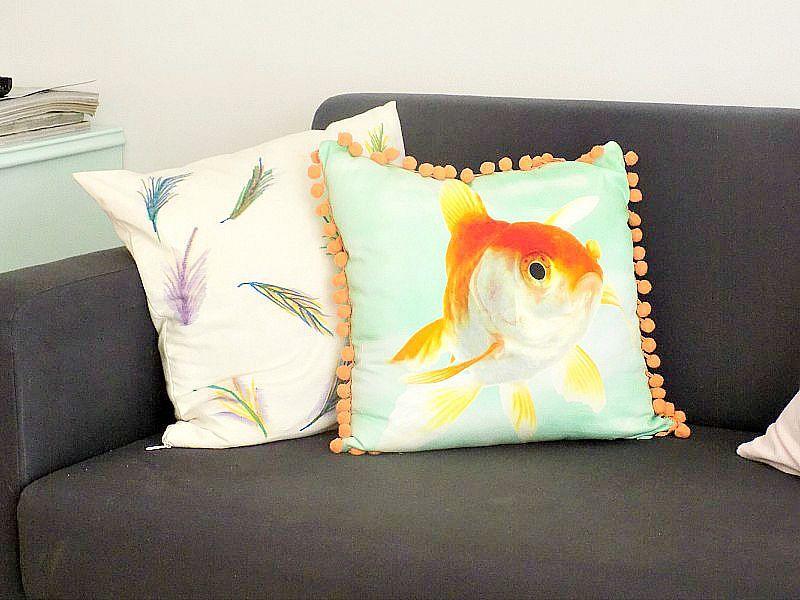 Watercolor pillow diy