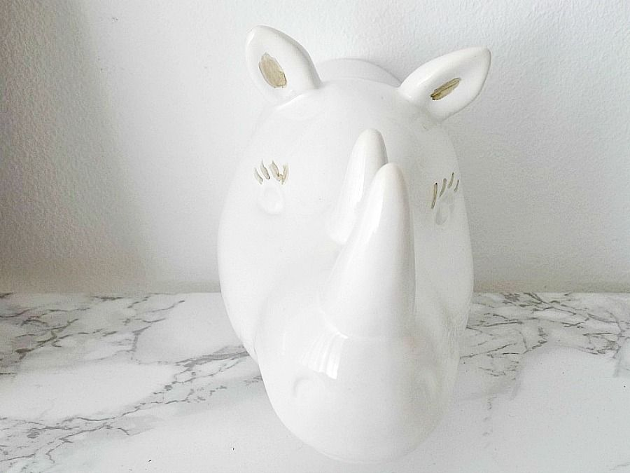 Gold details on a ceramic hippo
