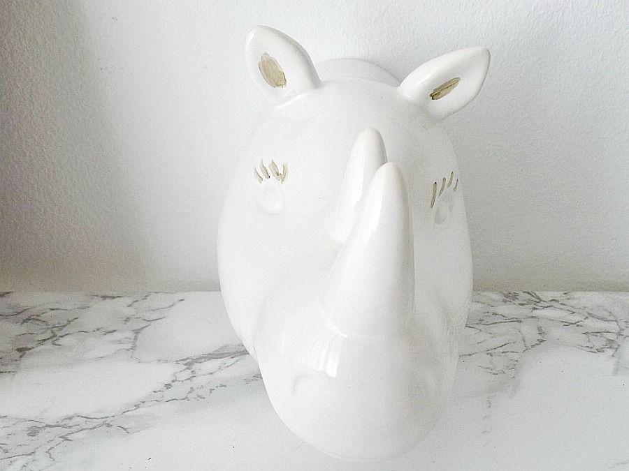 Διακόσμηση με ότι έχεις μέσα στο σπίτι, Gold details on a ceramic hippo