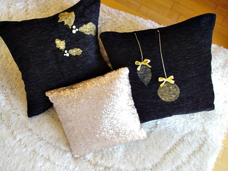 Christmas pillows diy black and gold
