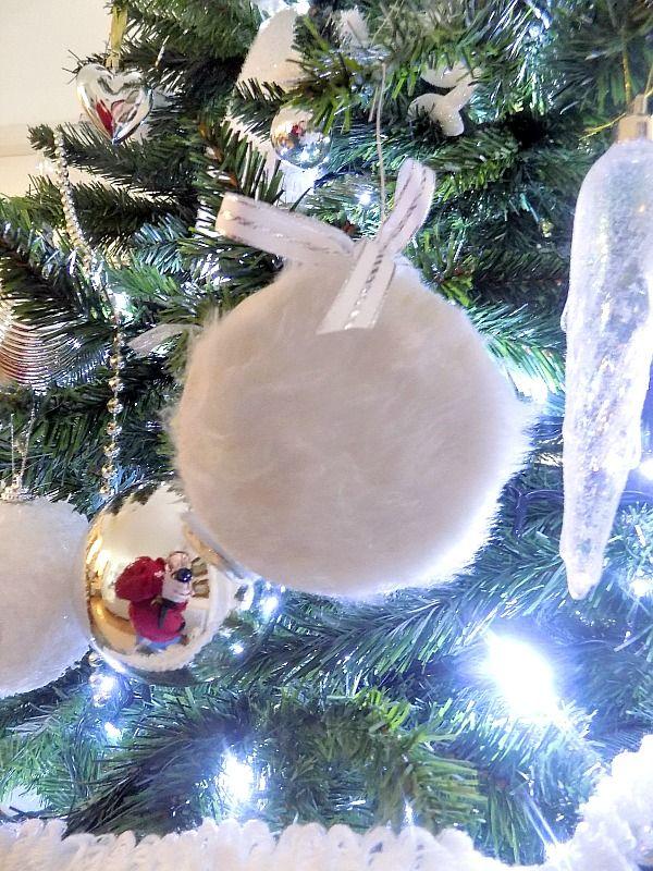 Fur christmas ball diy
