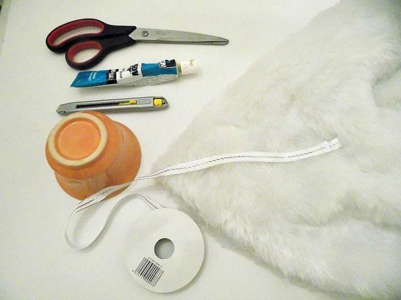 Υλικά για να φτιάξεις τα γούνινα στολίδια