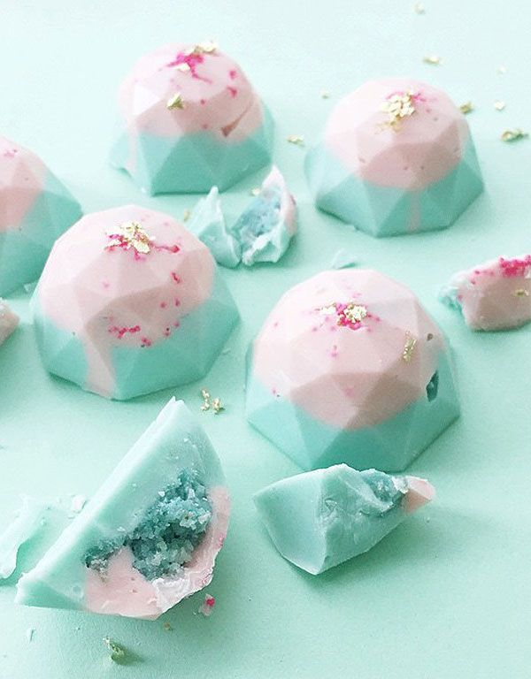 Pink and mint sweets bites