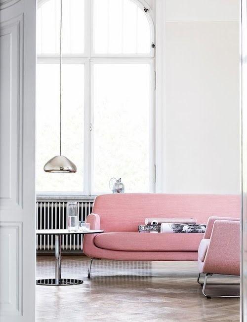 Ροζ μοντέρνος καναπές