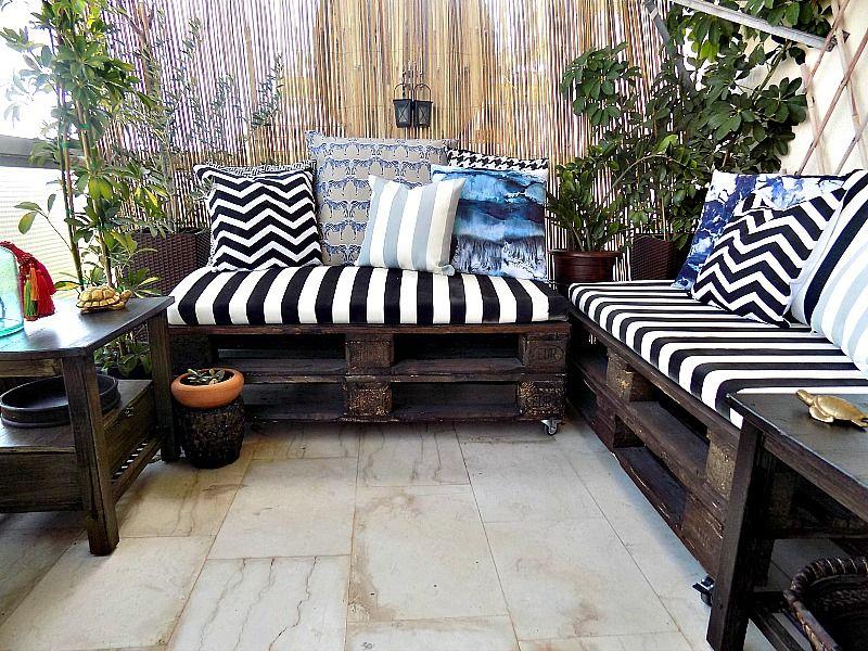 Βάφω ύφασμα με μπογιά σε σπρέι - Spray painted pillows