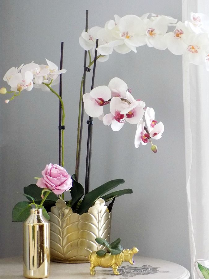 Faux orchids look like real