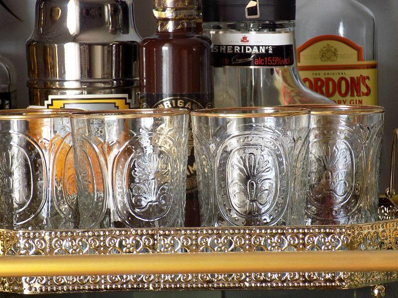 Τροχήλατο μπαράκι διακόσμηση, κρυστάλλινα ποτήρια