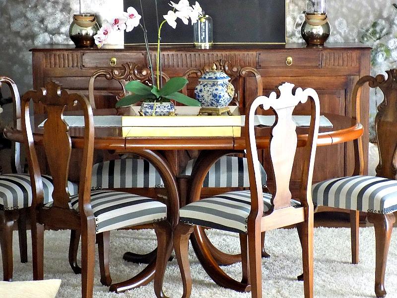 Καρέκλες τραπεζαρίας με καινούργια εμφάνιση και ταπετσαρία