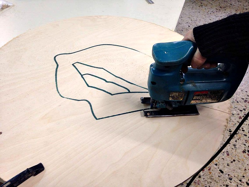 Valentines art, cutting the plywood lips
