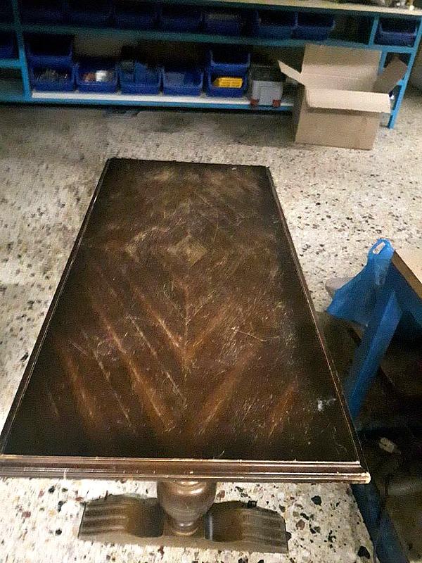 Παλιό τραπέζι