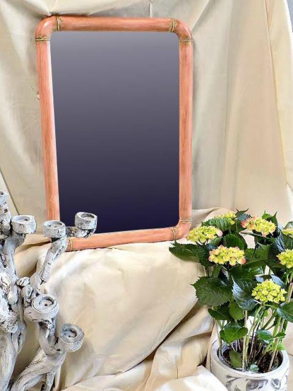 Κηροπήγιο από ρίζα βαμμένο με μπογιά κιμωλίας σαν θαλασσόξυλο, καθρέφτης σε χρώμα scandinavian pink