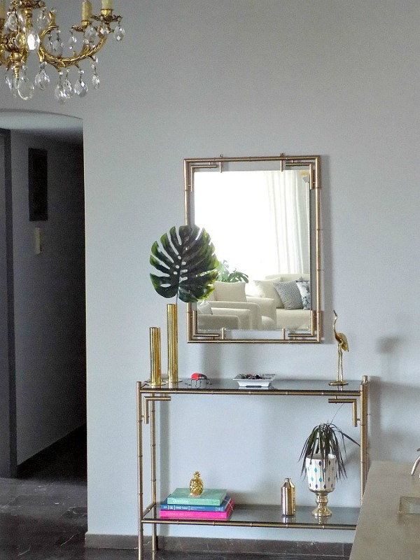 Μπρούτζινη κονσόλα και καθρέφτης σαν έπιπλο εισόδου