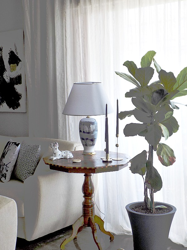 New abstract table lamp