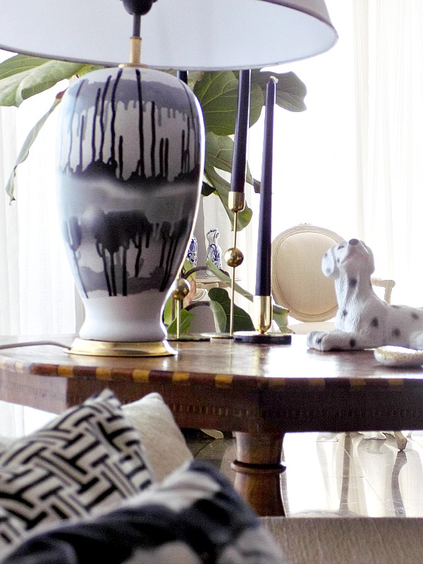 Black and white abstract table lamp