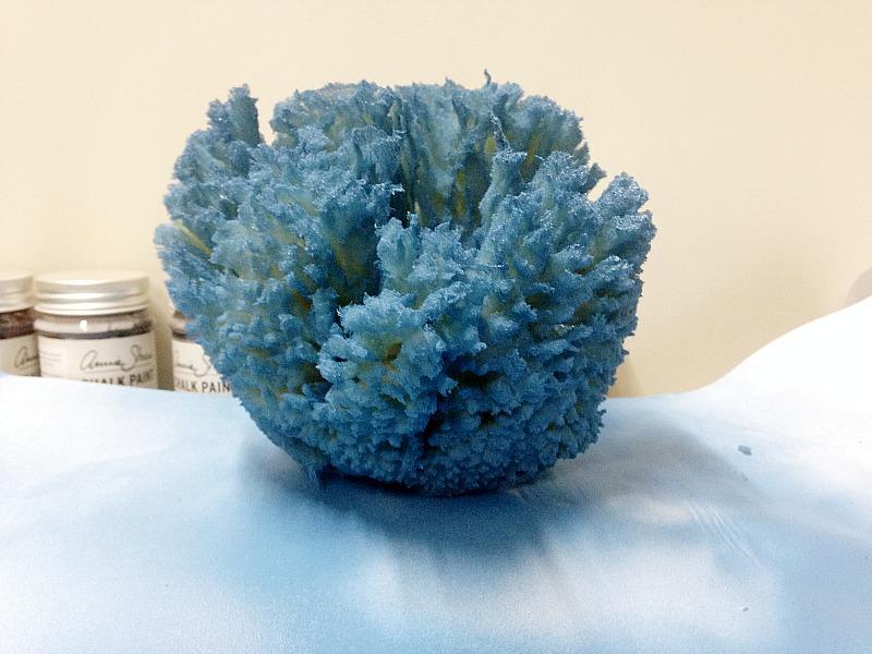 φυσικό σφουγγάρι βαμμένο μπλε χρώμα