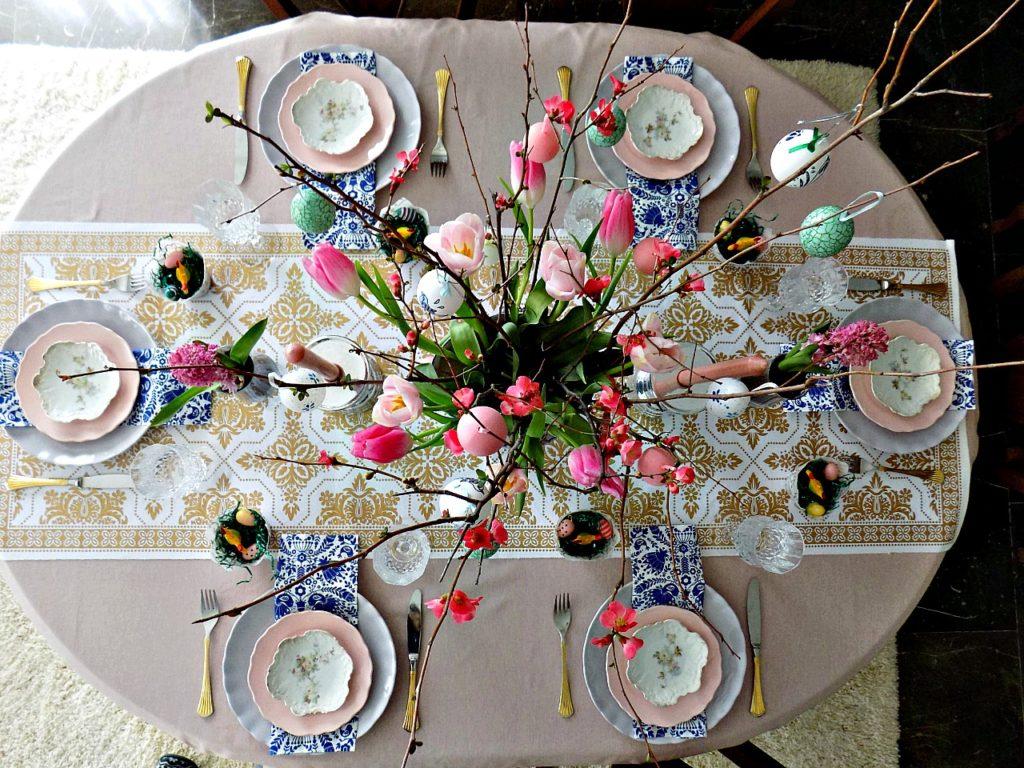 Ιδέες για να στρώσεις το πασχαλινό τραπέζι σου, συνδυάζοντας αρμονικά ότι έχεις μέσα στα ντουλάπια σου για ένα σούπερ αποτέλεσμα | How to set an easy tablescape for Easter